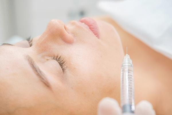 美容整形による口ゴボ治療