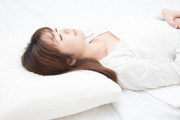 静脈内鎮静法による眠った状態でのインプラント治療
