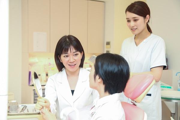 差し歯の再治療例