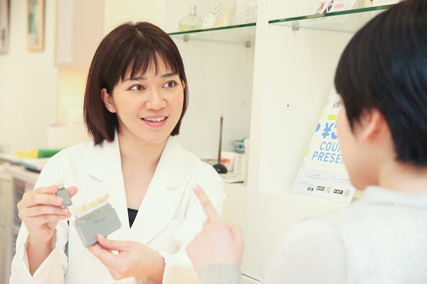 テトラサイクリン歯治療の無料カウンセリング風景