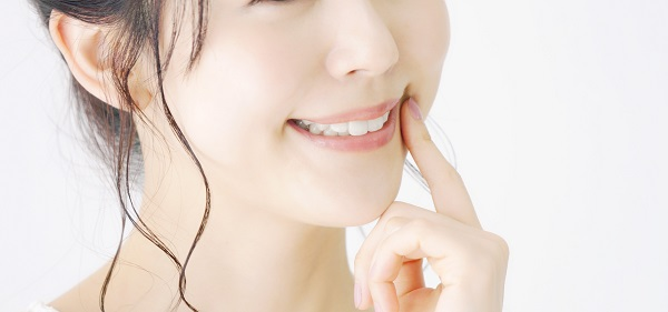 銀歯とセラミックの比較